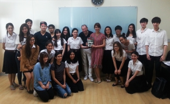 David Lloyd's masterclass with the students of the Creative/Graphic Writing course, CommArts, Chula (March 28, 2016)